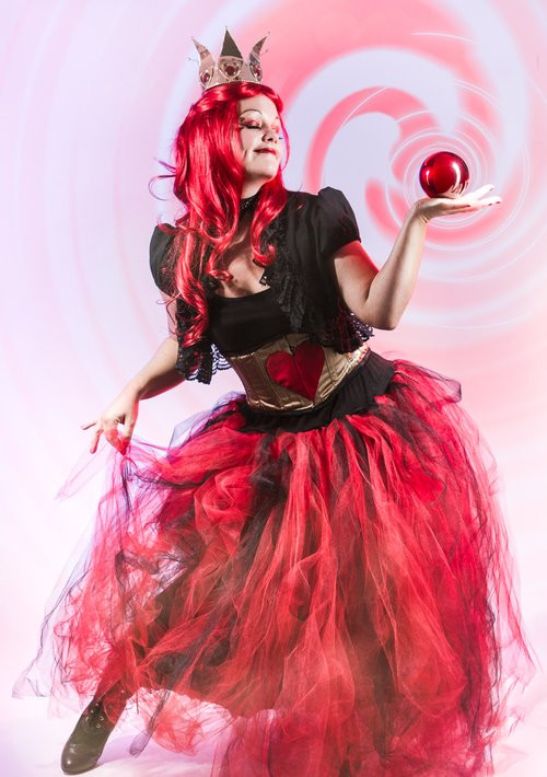 Red Queen of Hearts contact juggling