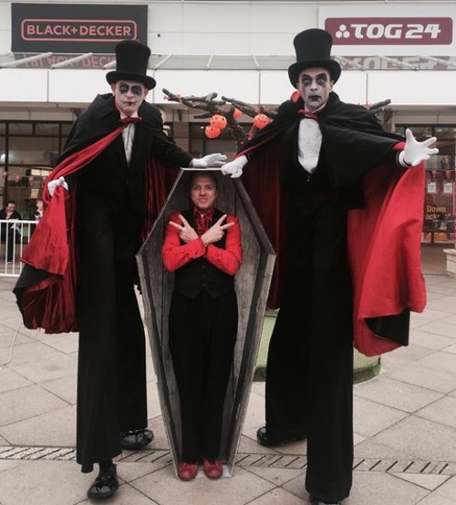 Stilt Vampires coffin pose